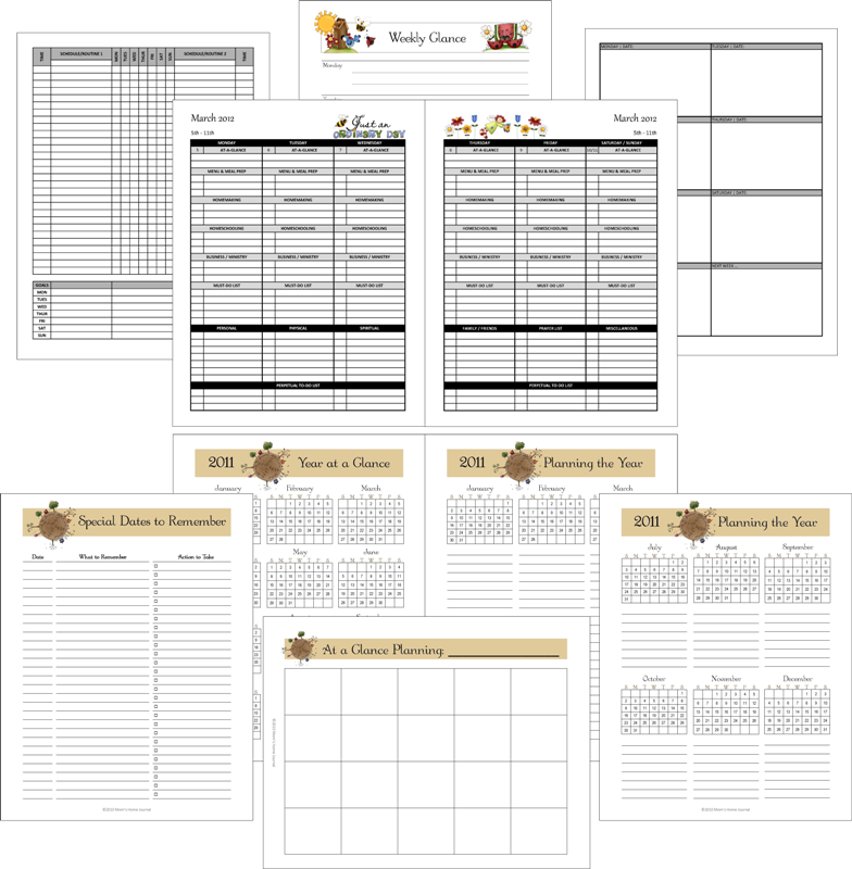 Household Notebook Planner: At a glance pages